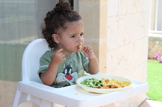 A child can enjoy a healthy relationship with vegetable servings.