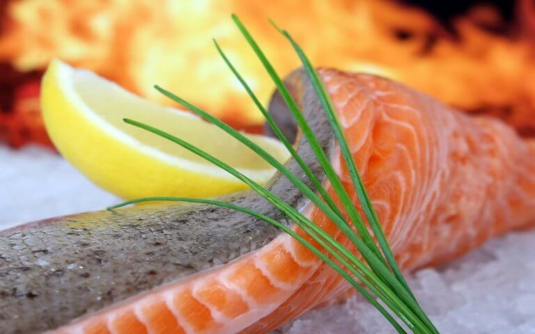 Steamed Salmon Fillets with Lemon Aioli