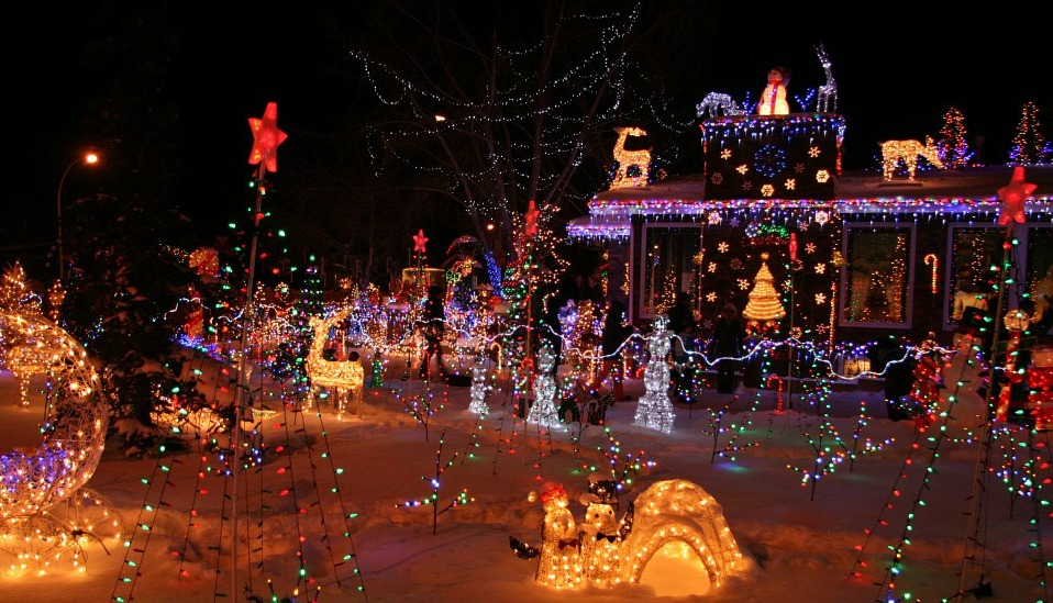 Going around town and looking at holiday decorations is always a holiday fun past time. Here are a few of the top picks: