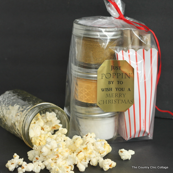 The Country Chic Cottage provides an adorable popcorn gift jar and if you scroll to the bottom of her post (use the link to click on over) you will find over 30 links for creative popcorn boxes as an added bonus.