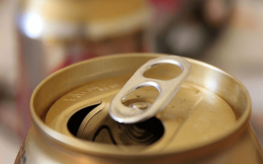 pop can soda can