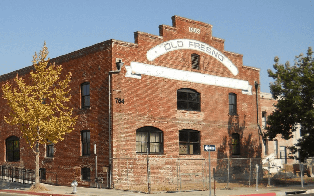 In the 1890s and continuing into the early 1900s, Fresno County became one of the richest agricultural counties in the United States. Meanwhile construction of the Warehouse Row buildings began. Certainly this was in reaction to the growing community.