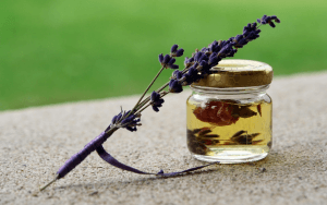 These are some of the best essential oils you can have in your first aid kit. Long before an emergency happens, familiarize yourself with these oils, their uses, and the situations you can use them in.